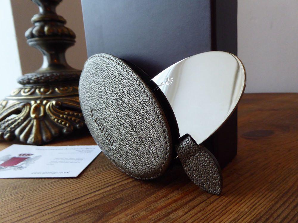 Mulberry Oval Handbag Mirror in Sleeve in Metallic Gunmetal Grainy Goatskin