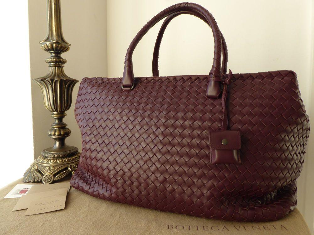Bottega Veneta Large Duffle Weekend Holiday Bag in Barolo Burgundy Intrecci