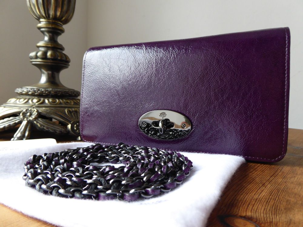 Mulberry Bayswater Clutch Wallet in Red Onion High Pebbled Patent Leather