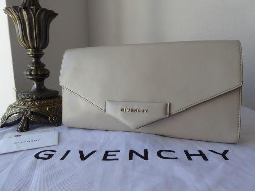 Givenchy Antigona Clutch in Parchment Grey Smooth Calfskin