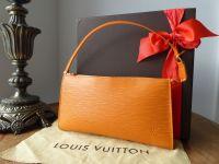 Louis Vuitton Pochette Accessoires in Epi Mandarin