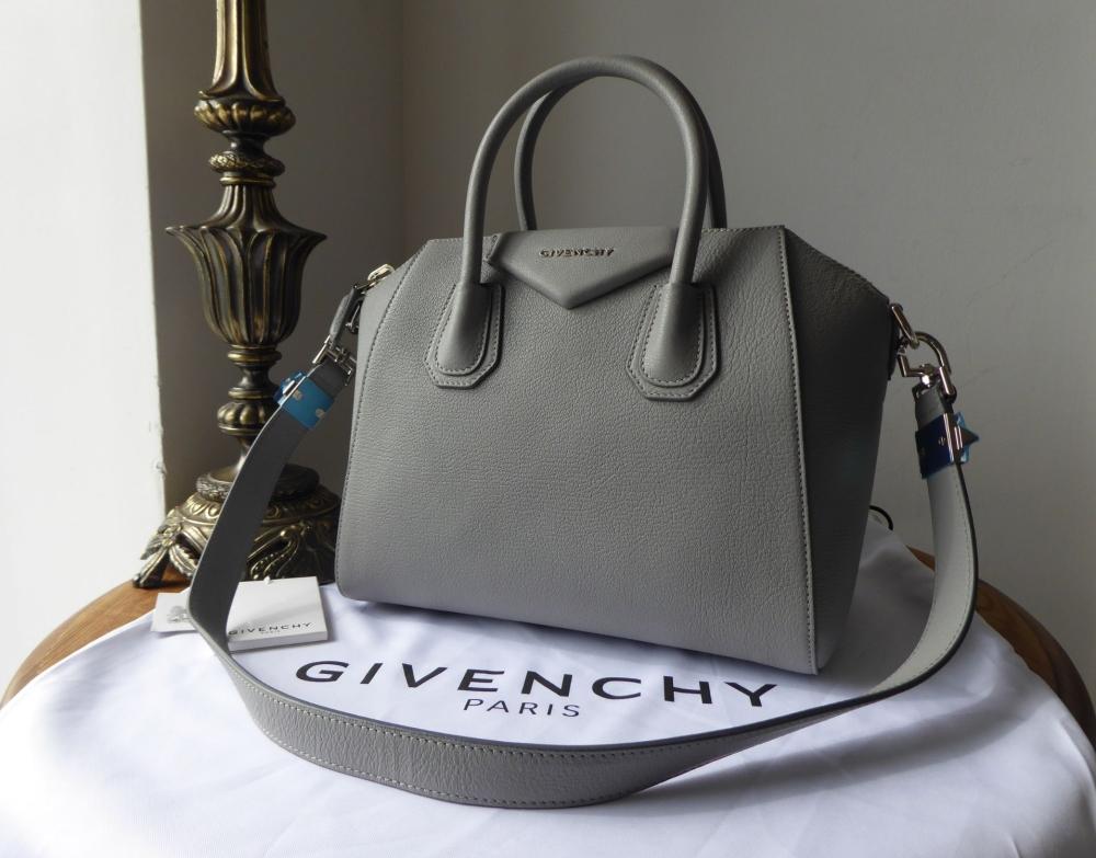 Givenchy Antigona Sugar Small Shoulder Bag in Pearl Grey Goatskin - New