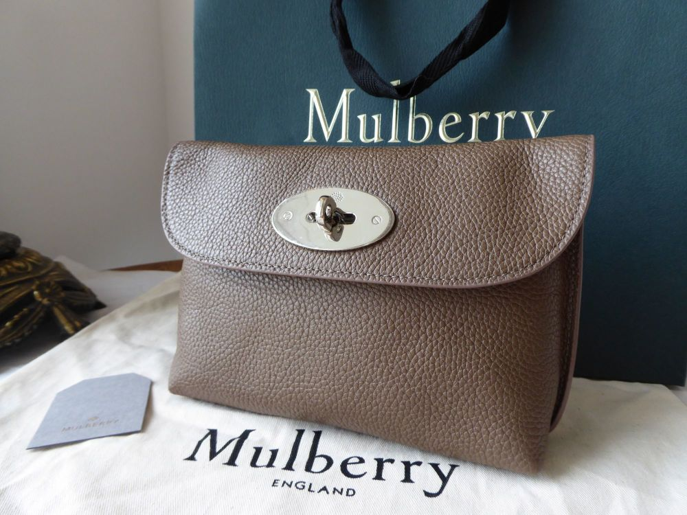 Mulberry Locked Cosmetic Pouch in Taupe Small Classic Grain - New