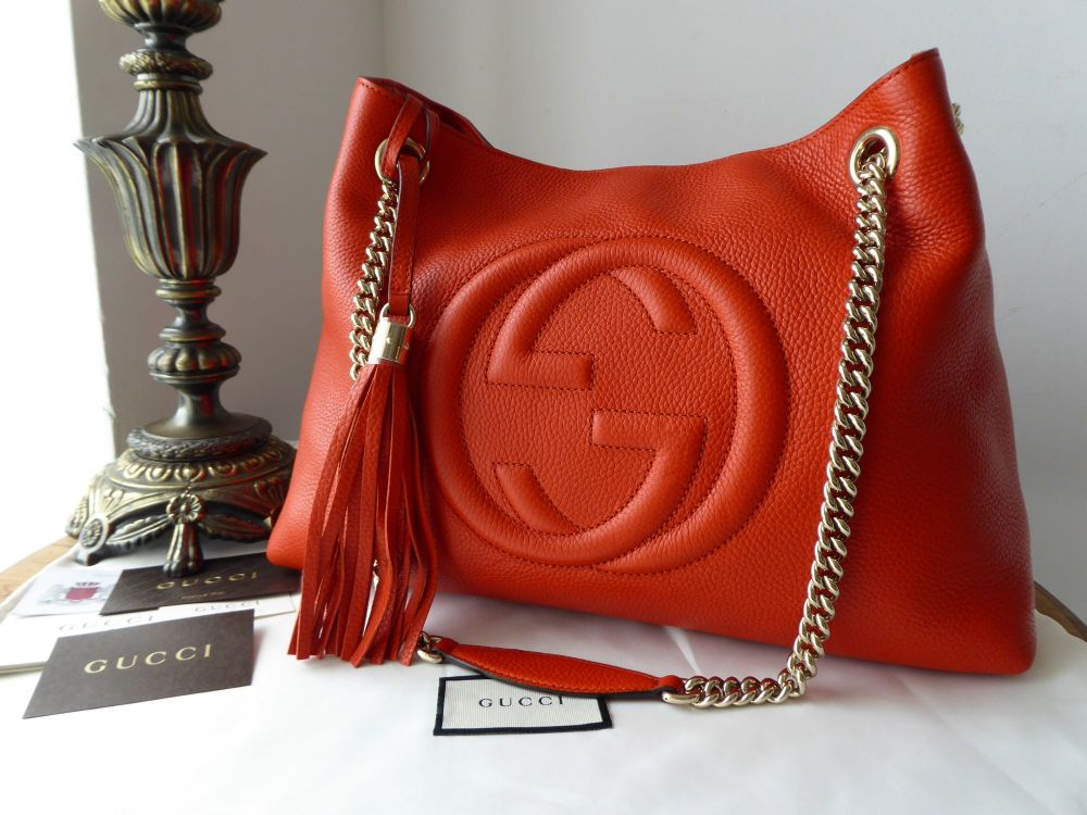 Gucci Soho Chains Shoulder Bag in Pebbled Orange Calfskin - New