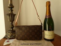 Louis Vuitton Pochette Accessories NM in Monogram Vachette - As New