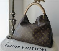 Louis Vuitton Artsy MM in Monogram Canvas without Hanging Charm