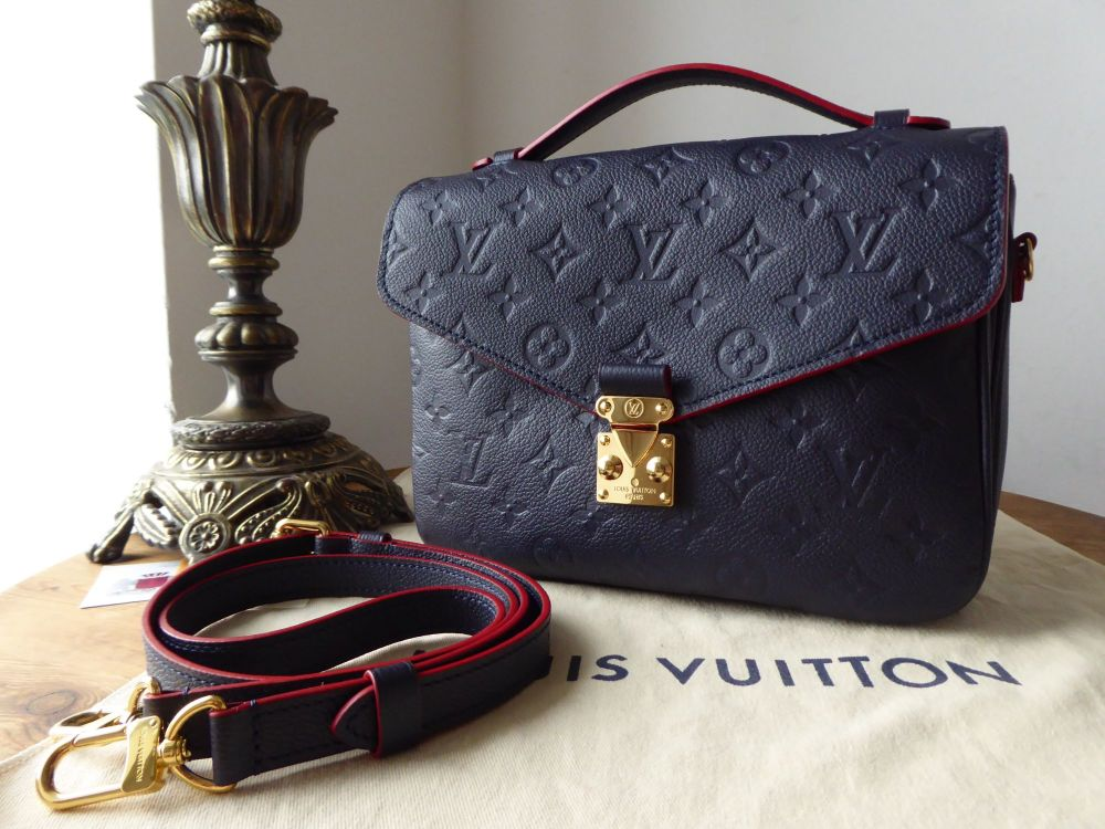 Louis Vuitton Pochette Metis in Marine Rouge Empreinte