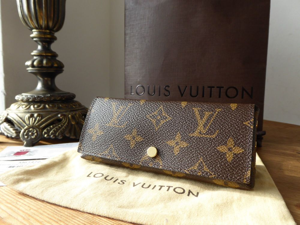 Louis Vuitton Pochette Rivet Pouch Case in Monogram Fuchsia