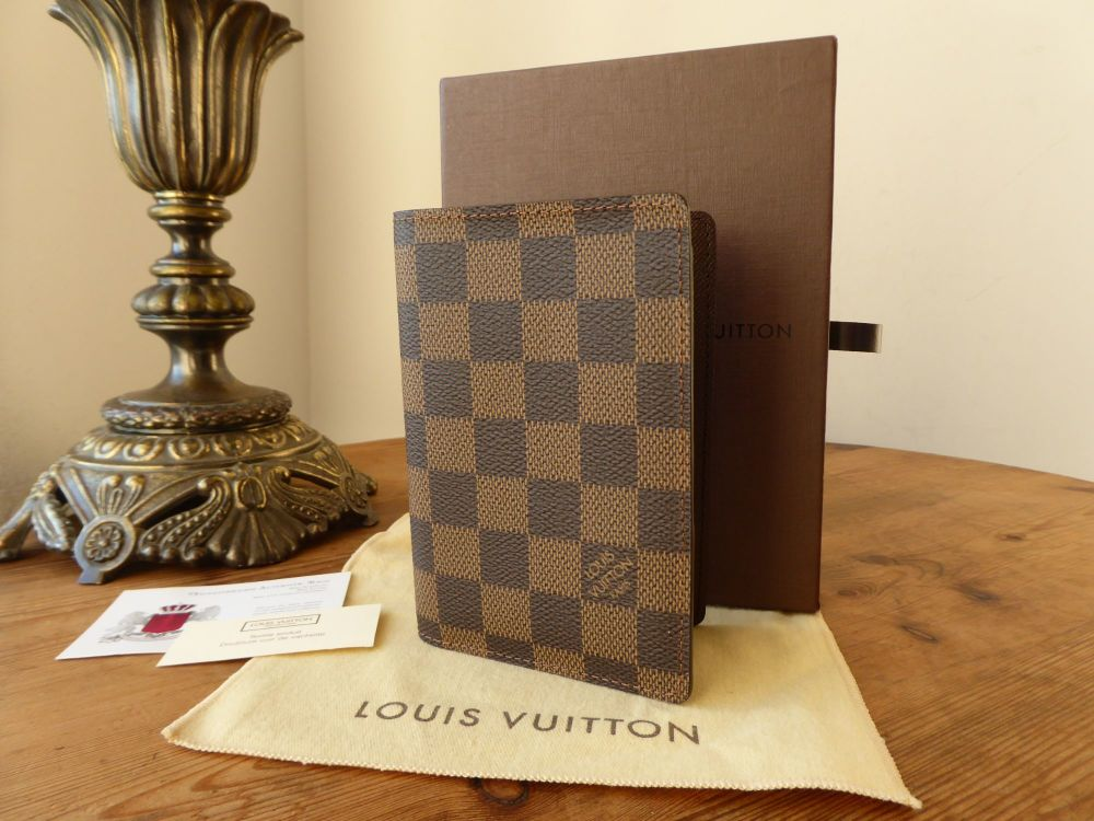 Louis Vuitton Passport Cover in Damier Ebene - As New