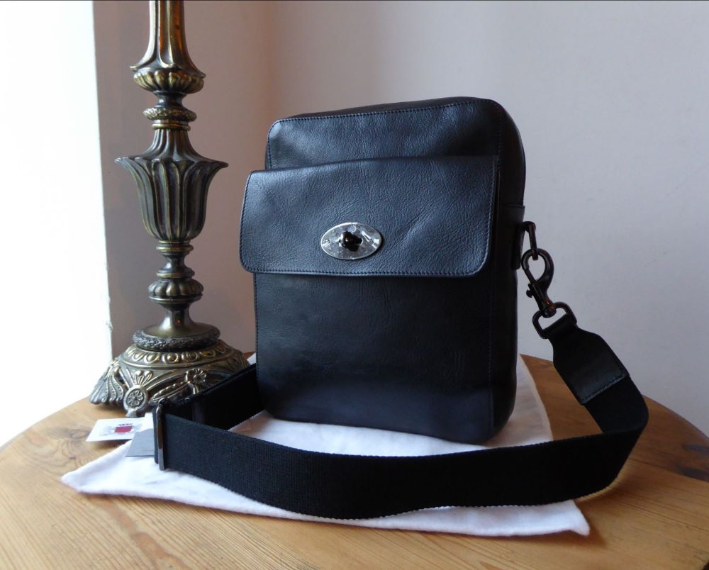 Mulberry Postmans Lock Reporter Messenger in Black Natural Leather