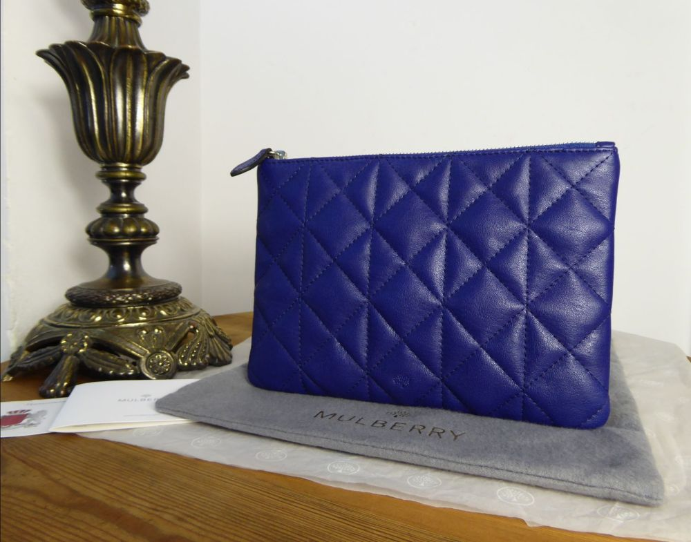 Mulberry Cara Delevingne Medium Zip Pouch in Indigo Quilted Silky Nappa - N