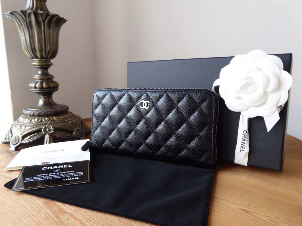 Chanel Classic Continental Zipped Wallet in Black Caviar with Silver Hardwa
