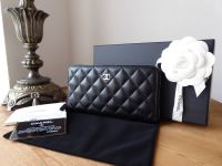 Chanel Classic Continental Zipped Wallet in Black Caviar with Silver Hardware - As New*