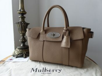 61f73285af91 Mulberry Small Bayswater Buckle in Taupe Small Classic Grain Leather - SOLD