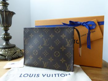 Louis Vuitton Toiletry Pouch 19 in Monogram - SOLD