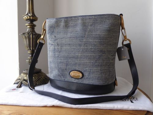Mulberry Jamie Bucket Bag in Midnight Blue Woven Denim   Vegetable Tanned L 824d0d686846f
