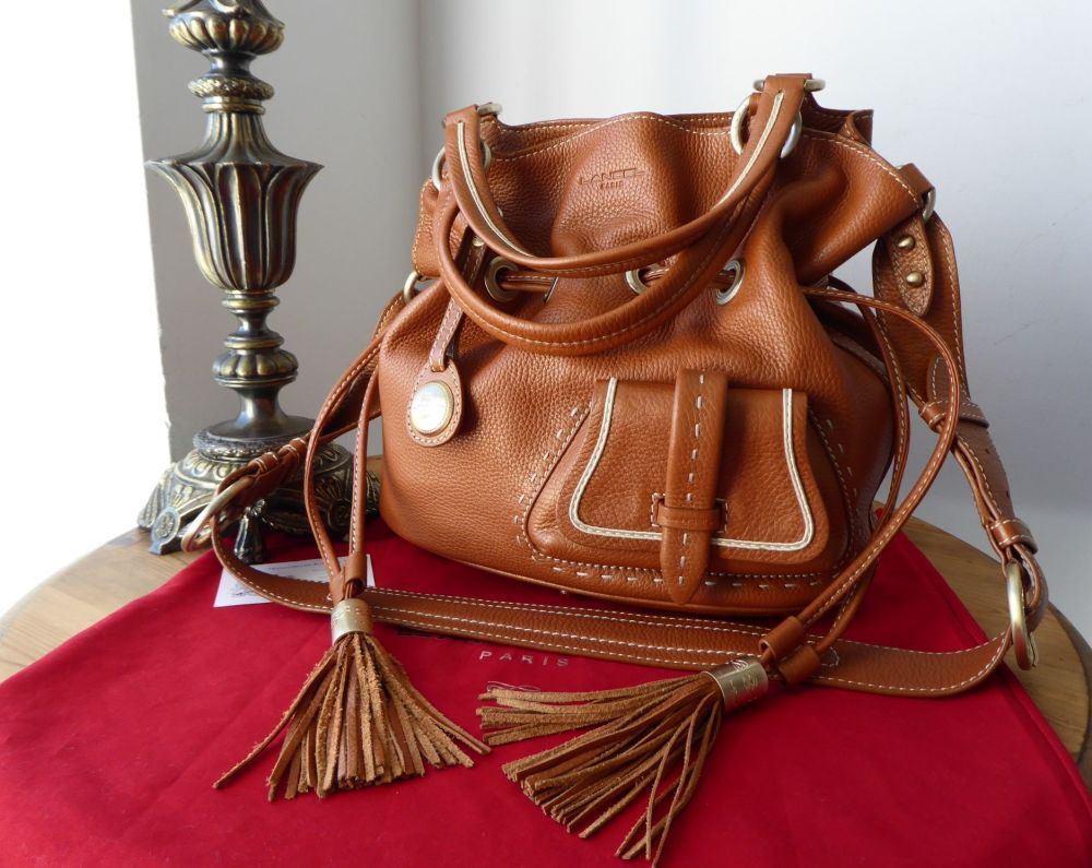 LANCEL Premier Flirt de Lancel Bucket Bag in Camel Grained Leather