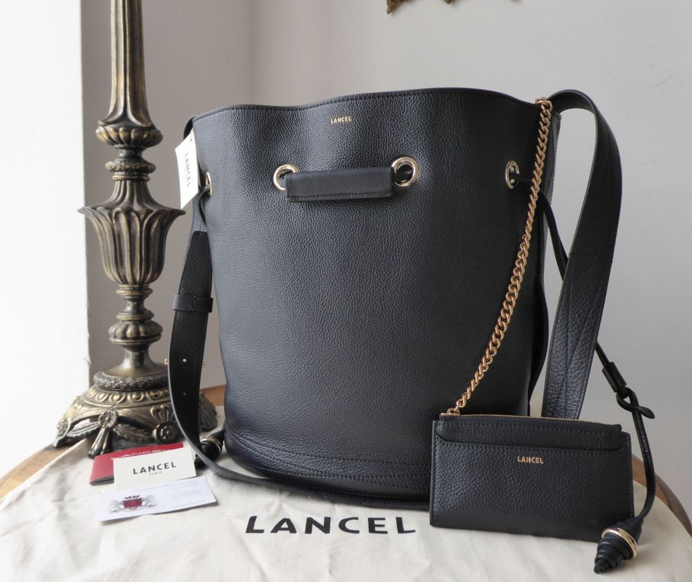 LANCEL Le Huit de Lancel Bucket Bag in Bleu Marine Grained Leather
