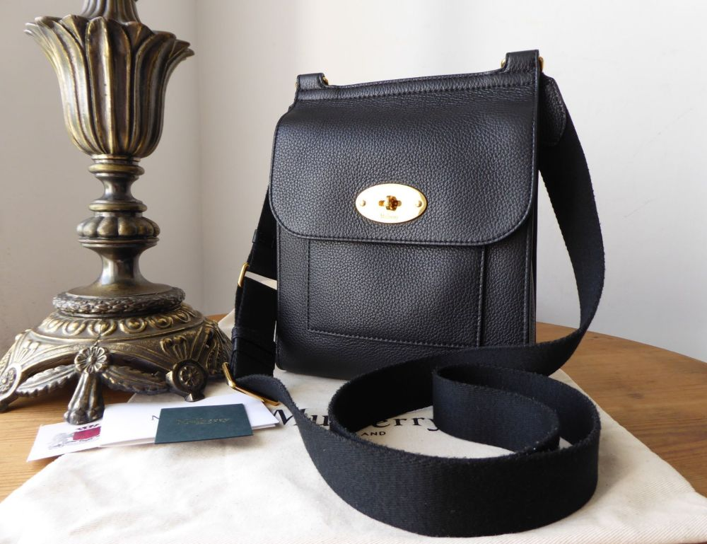 b1c80b86faa Mulberry Small New Style Antony Messenger in Black Small Classic Grain Leat