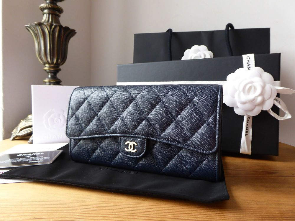 Chanel Classic Continental Flap Purse Wallet in Navy Marine Blue Caviar wit