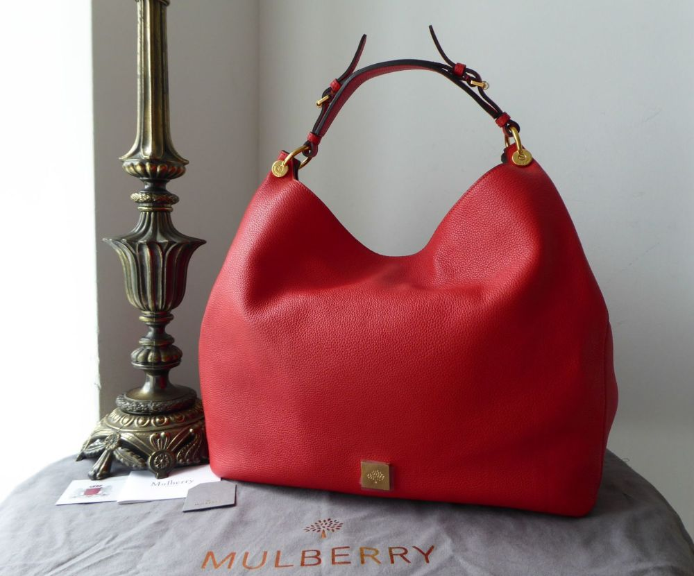 first look detailing super popular Mulberry Large Freya Hobo in Fiery Red Small Classic Grain - New