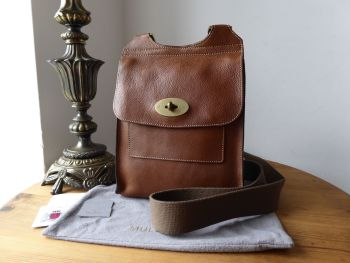 Mulberry Classic Smaller Sized Antony Messenger in Oak Natural Vegetable Tanned Leather