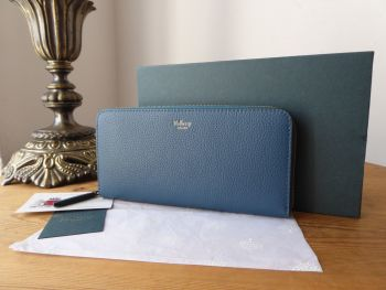 Mulberry 12 Card Zip Around Continental Long Wallet Purse in Deep Sea Small Classic Grain - New