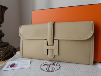 Hermés  Jige Elan Clutch 29 in Trench Swift Calfskin - New