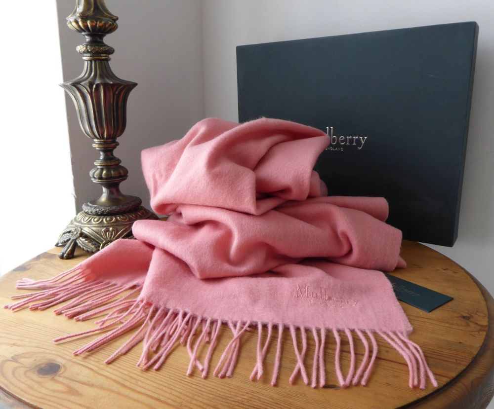 Mulberry Large Fringed Wrap Scarf in Macaroon Pink Lambswool - As New*