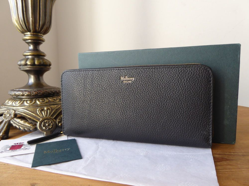 Mulberry 8 Card Zip Around Continental Wallet Purse in Black Classic Grain