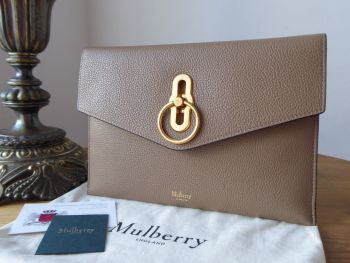 Mulberry Amberley Envelope Clutch Pouch in Dark Beige Small Classic Grain - New