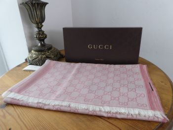 Gucci GG Monogram Jacquard Large Rectangular Scarf Wrap in Pink Wool Cotton Mix - New*