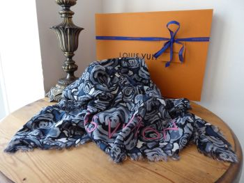 Louis Vuitton Rock 'n 'Roses Scarf Stole in Gris Modal & Silk