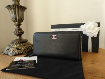 Chanel Zip Around Continental Wallet Purse in Vintage Black Calfskin with Pink Enamel Lucky Clover CC