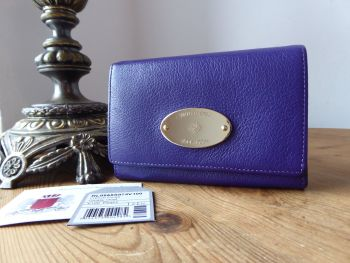 Mulberry Plaque French Purse in Purple Glossy Goat with Shiny Gold Hardware