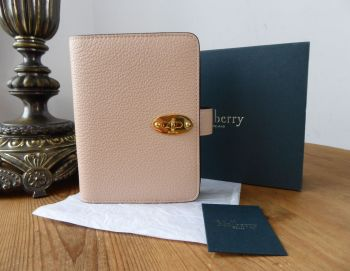 Mulberry Postmans Locked Pocket Book Agenda in Bicolour Rosewater & Crimson Small Classic Grain Leather - New*