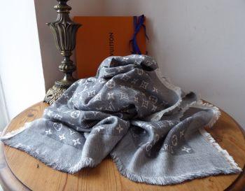 Louis Vuitton T-Shirting Monogram Shawl Scarf in Gris Silk Cotton Mix