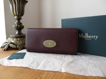 Mulberry Plaque Continental Purse Wallet in Oxblood Classic Grain with Shiny Gold Hardware - New