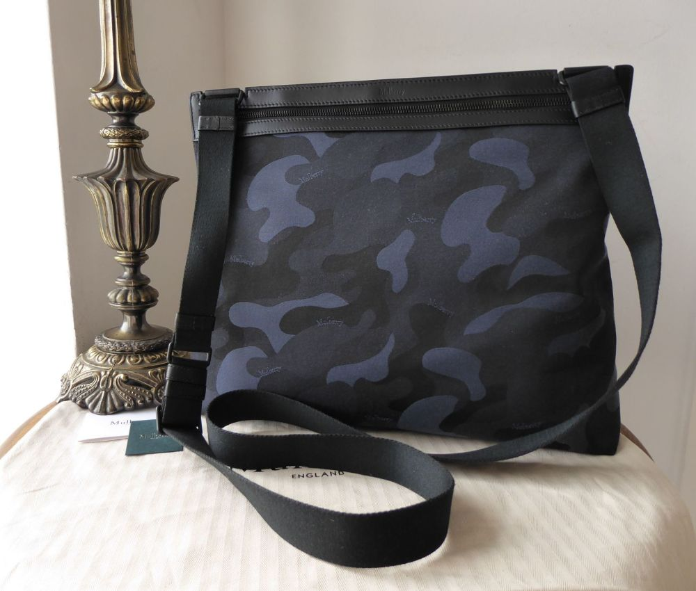 Mulberry Soft Zipped Large Messenger in Midnight & Black Camo Jacquard