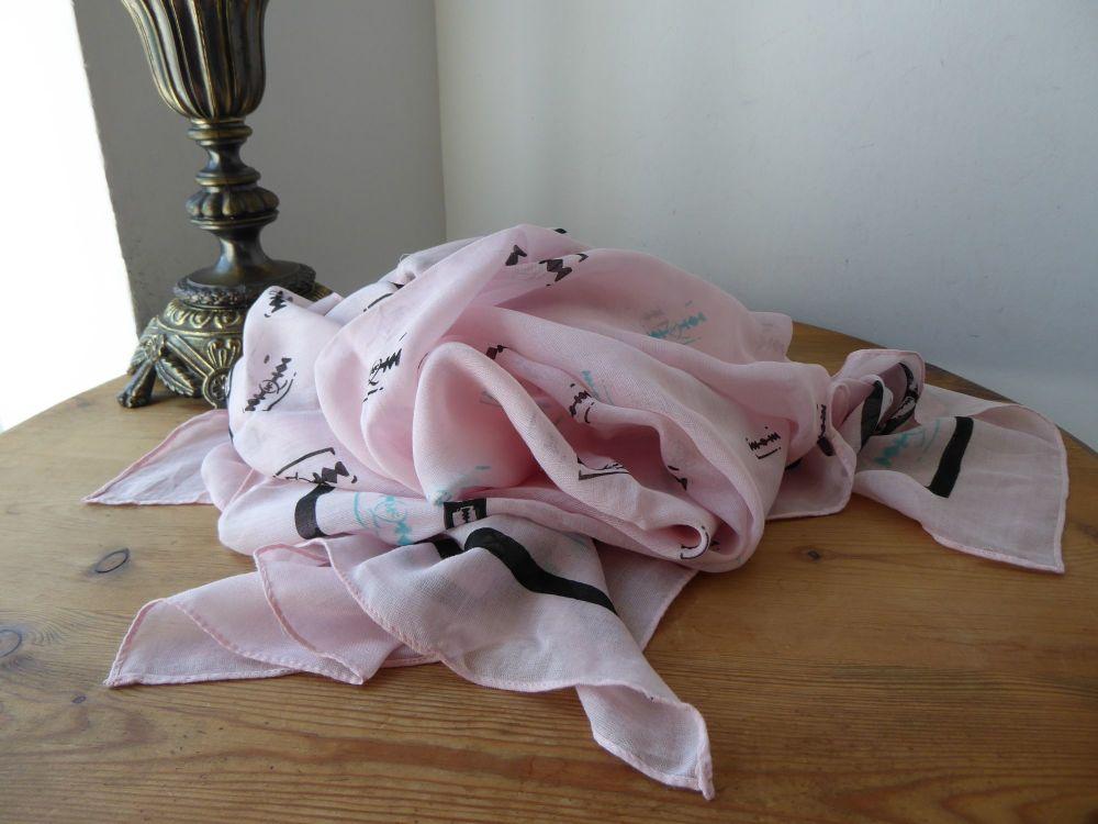 Alexander McQueen McQ Razor Print Large Square Scarf Wrap in Baby Pink Moda