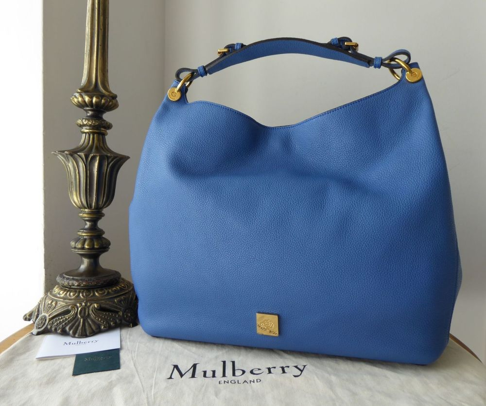 Mulberry Large Freya Hobo in Porcelain Blue Small Classic Grain