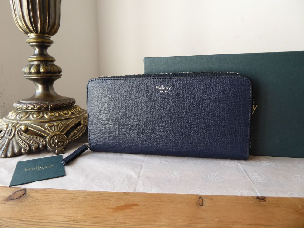 Mulberry 8 Card Zip Around Continental Wallet Purse in Midnight Cross Grain