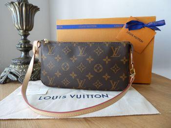 Louis Vuitton Pochette Accessoires in Monogram Vachette - New