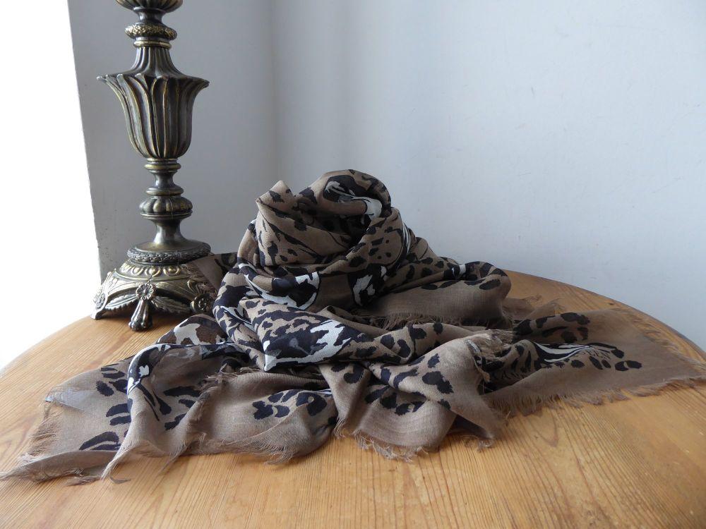 Alexander McQueen Anamalia Pashmina Scarf Wrap Leopard Snake Fight in Silk