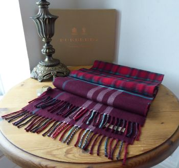 Burberry Check Winter Scarf in Claret 100% Merino Wool - New
