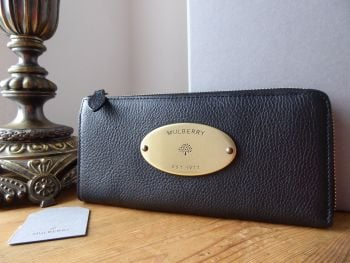 Mulberry Plaque Zip Around Slim Continental Purse Wallet in Black Natural Vegetable Tanned Leather - New*