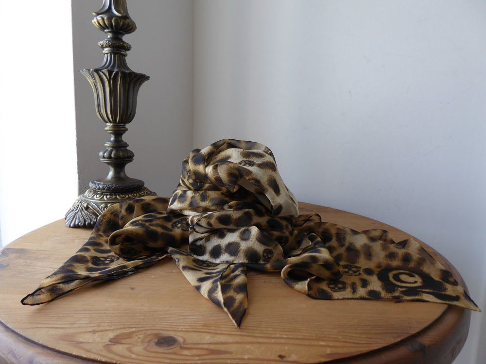 Alexander McQueen Skull Scarf in Leopard Anamalia Degrade Silk Chiffon - Ne