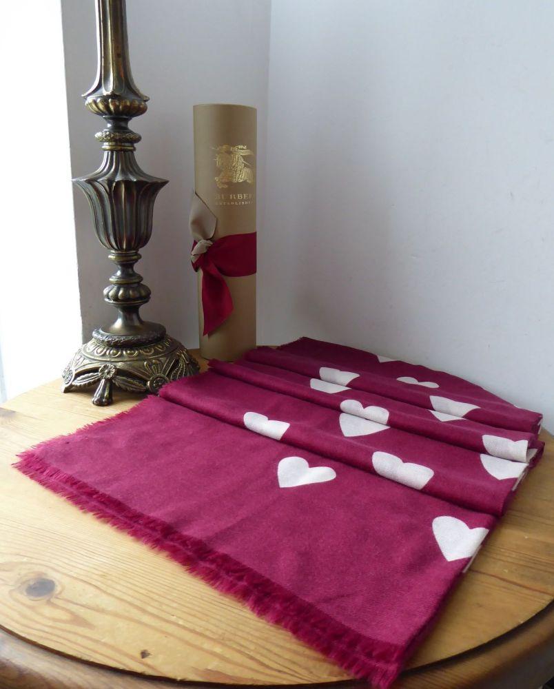 Burberry The Lightweight Rectangular Heart Print Scarf Wrap in 100% Cashmer