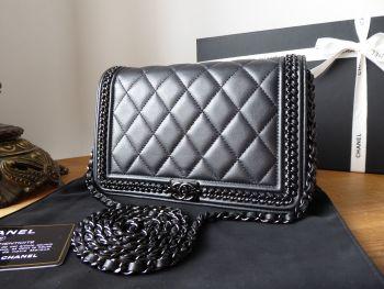 ChanelSo Black Chain Around Boy Wallet on Chain WoC in Black Quilted Calfskin