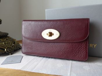 Mulberry Classic Long Locked Purse in Oxblood Coloured Vegetable Tanned Leather with Shiny Gold Hardware - New